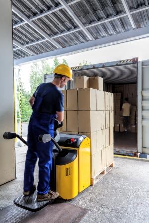 Crossdocking vs. Transloading Services